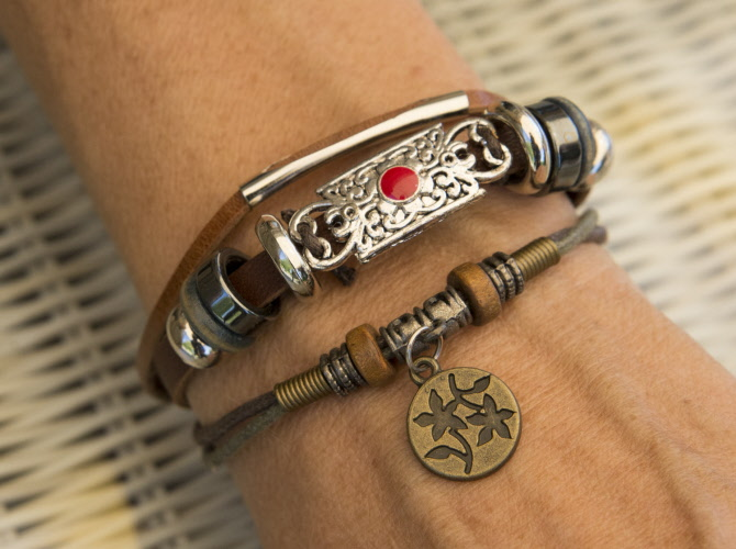 grande remise de 2019 grande remise nouveaux produits pour Bracelet femme cuir ruban multirang ajustable perles rouge médaille fleur  1085