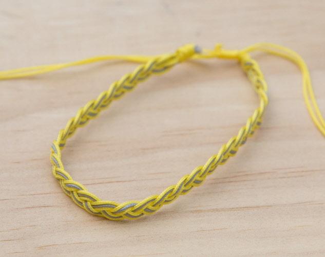 Bracelet brésilien fil coton tressé ,Bahia Souhait, bi color jaune gris